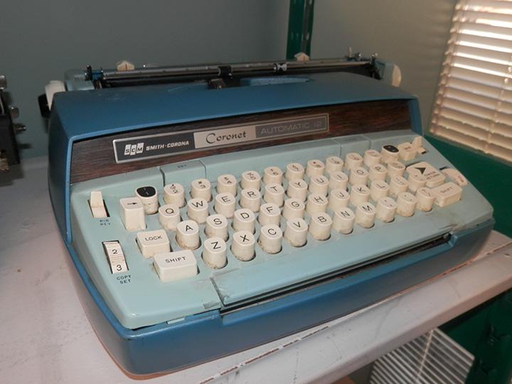 Smith Corona Coronet Automatic 12