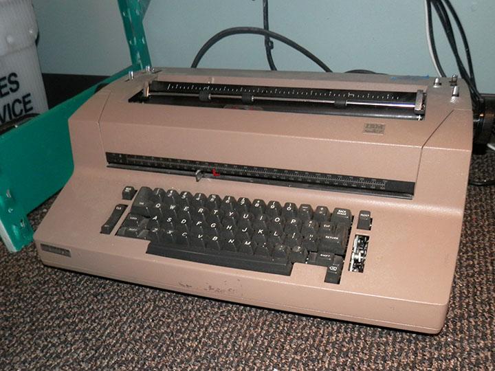 IBM Selectric II putty