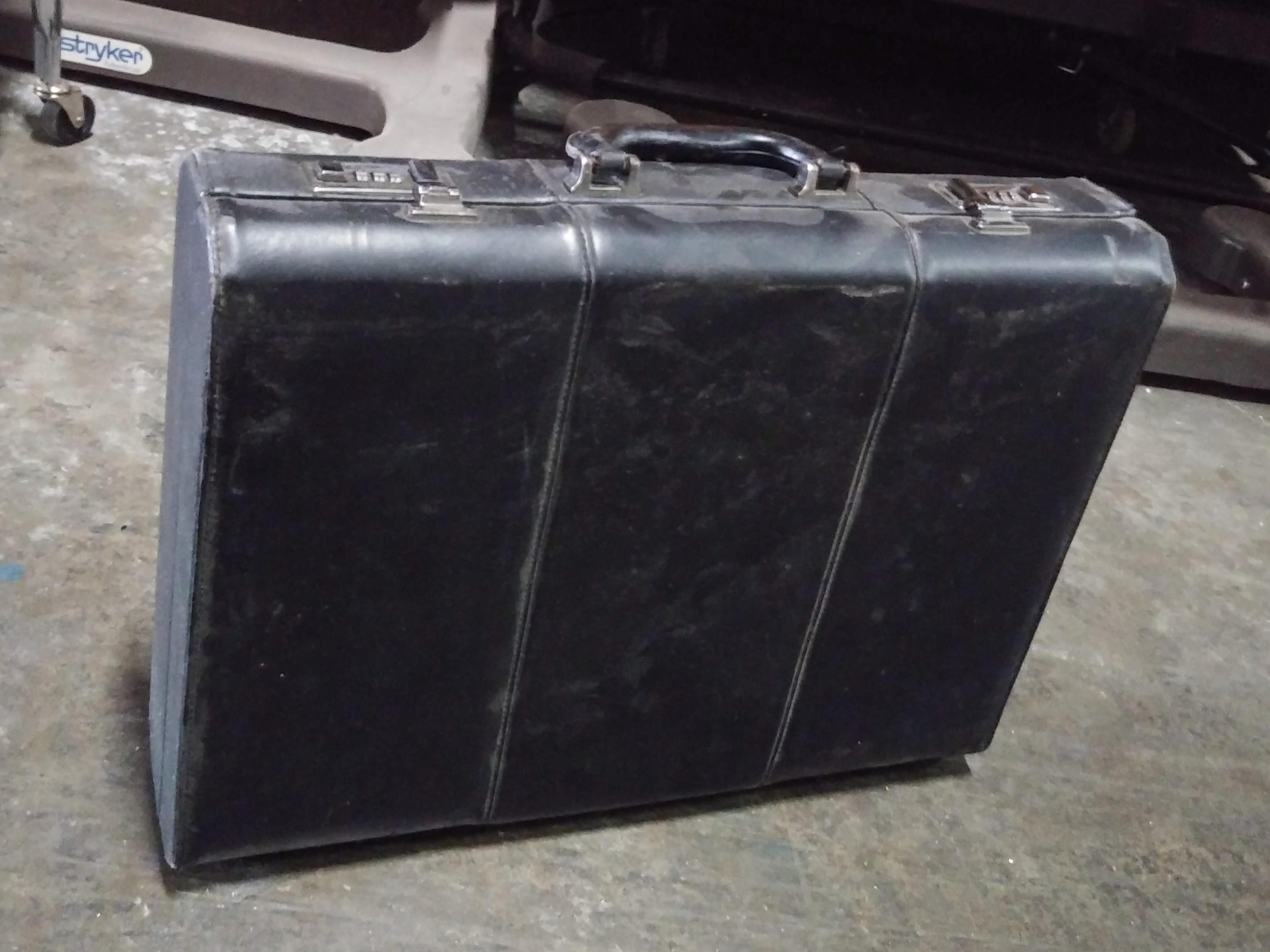 Briefcase hardcase black