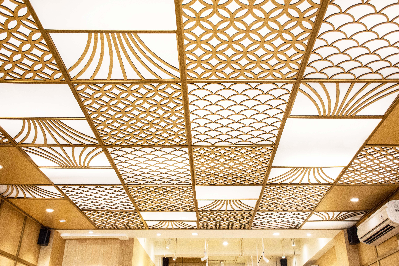 Dekorasi Ceiling Kayu Laser Cut