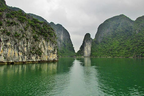 Southeast Asia Tours - North to South in Vietnam: Halong Bay tours