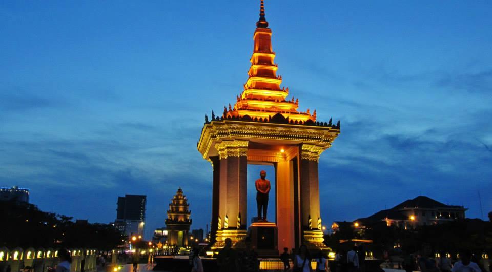Southeast Asia Tours - Cambodia Tours - King Sihanouk Monument, Phnom Penh, Cambodia
