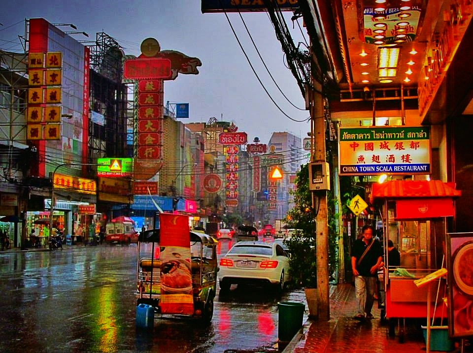 Southeast Asia Tours - Cambodia Tours - Yaowarat Road in Chinatown in Bangkok, Thailand