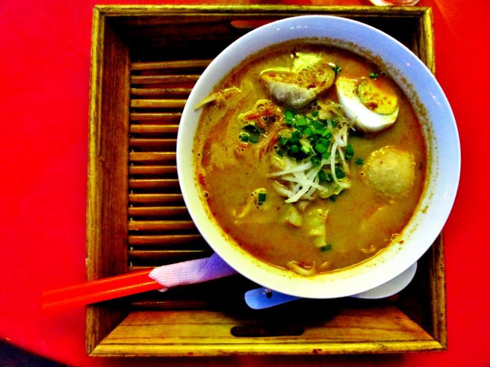 Southeast Asia Itineraries - Southeast Asia Tours - Taste laksa in Melaka, Malaysia