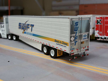 HO Swift 53' trailer model.