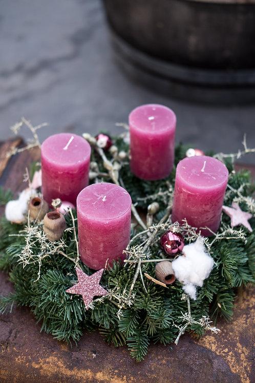 Adventskranz in Rosé