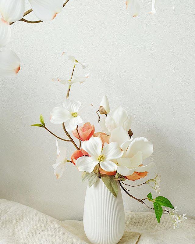 _アーティフィシャルの_白木蓮と花水木のアレンジメント2020__ハクモク