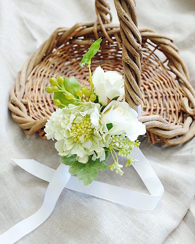 ブライダル装花🌿_先日の教会式へお届けした_バスケットにつける_小さなアレンジ