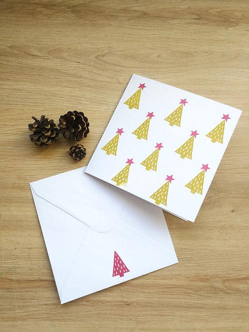 Carte Noël petits sapins verts à étoiles roses