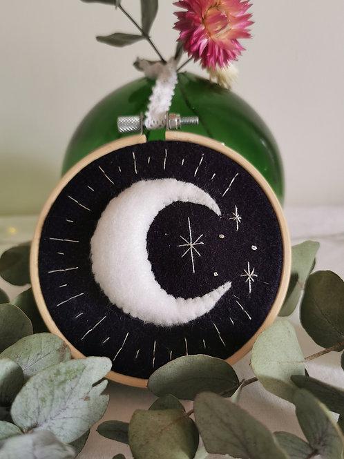 Broderie Croissant de Lune