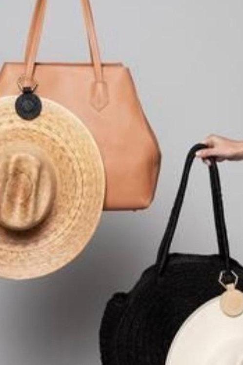 Hat pendant