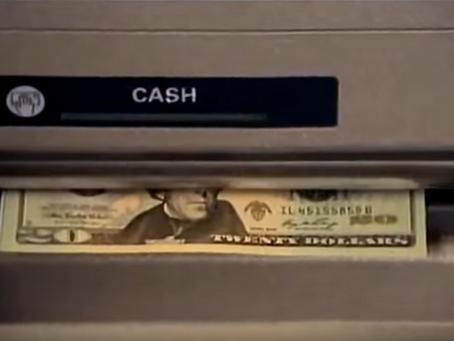 """Vírus de computador faz caixa eletrônico """"cuspir"""" dinheiro"""