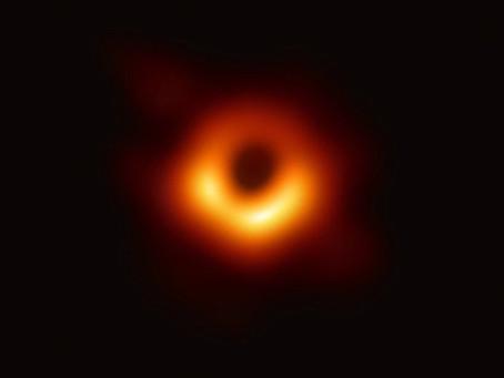 Dia histórico: mundo vê a primeira imagem de um Buraco Negro no Espaço