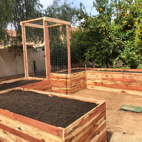 U-Shaped Garden with Arbor