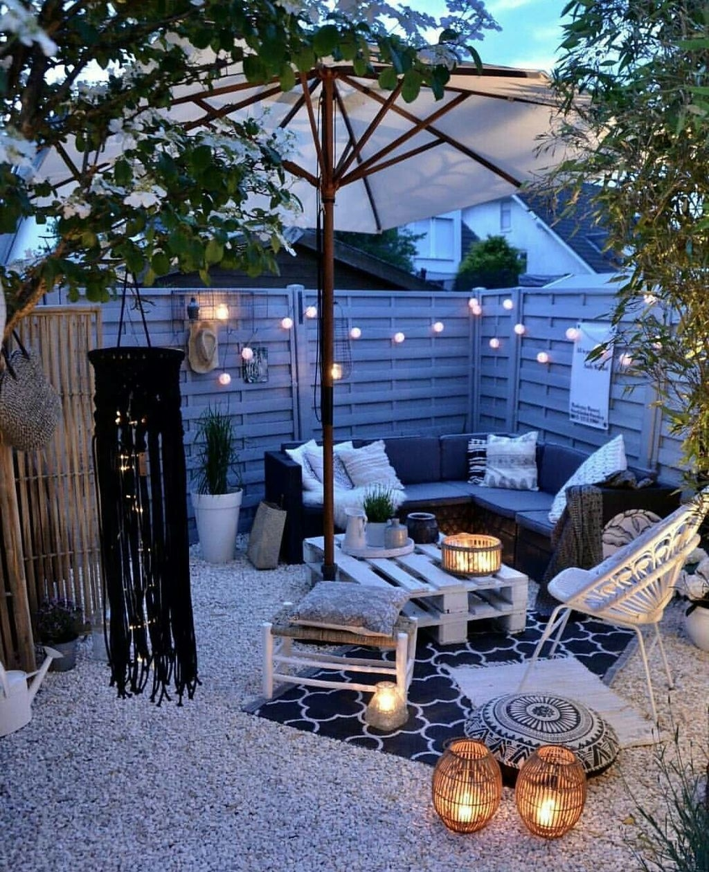 Stunning-Balcony-Decoration-Ideas-With-S.jpg