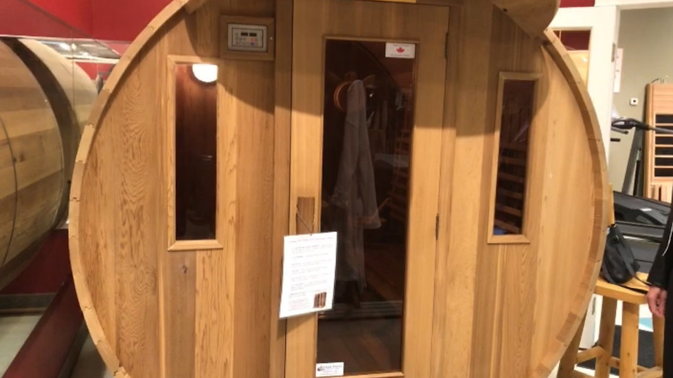 Barrel-Style Infrared and Traditional Sauna