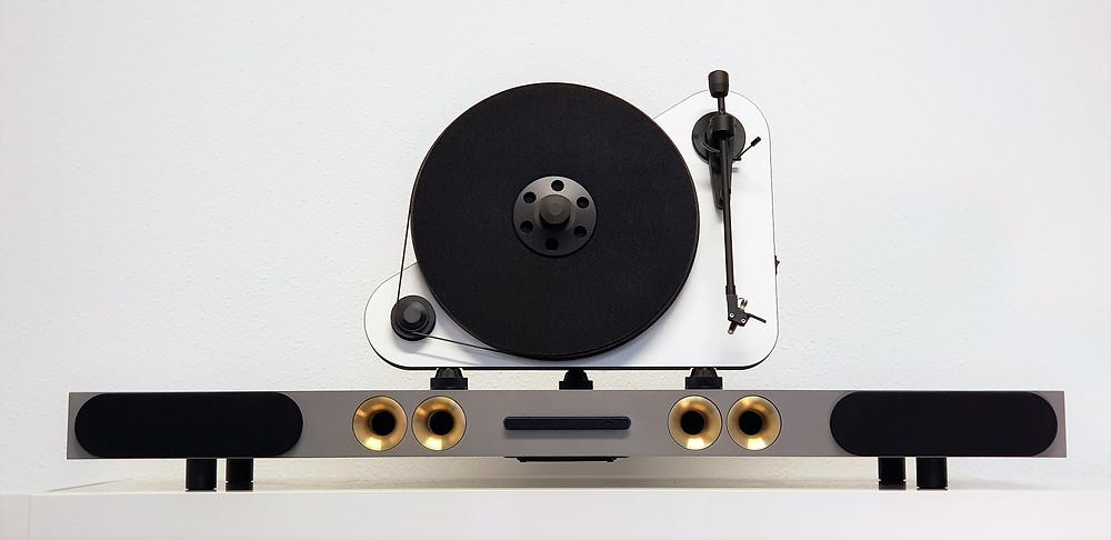 STEENSSEN ACTION with vinyl LP turntable