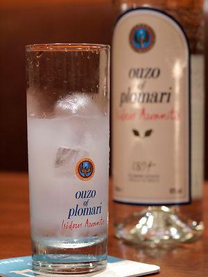 OUZO ウゾ ギリシャの国民酒 ギリシャのお酒 プロマリ PLOMARI OLYMPIA