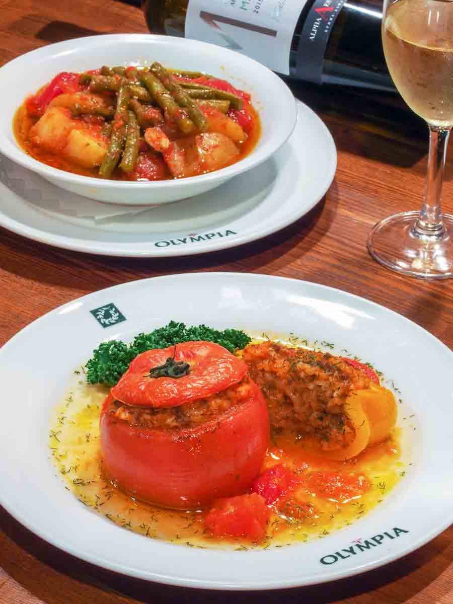 ヨミスタ(イェミスタ)とポテトといんげんのトマト煮込み