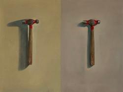 Deux marteaux à tête rouge