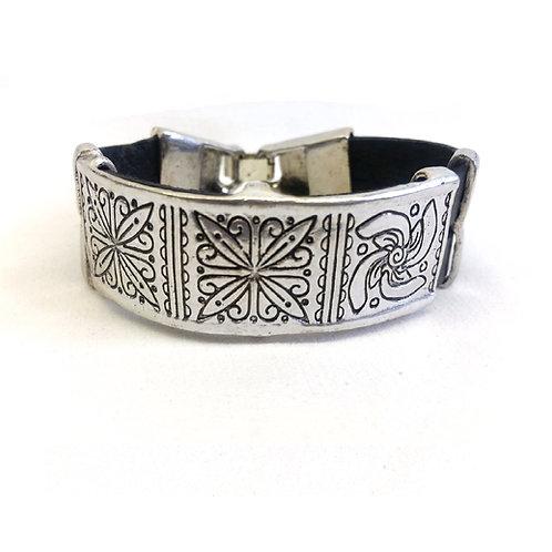 Bracelet cuir et métal argenté ethnique