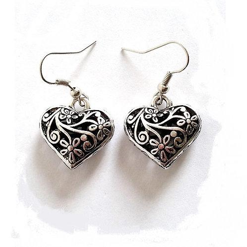 Boucles d'oreilles courtes cœur arabesque