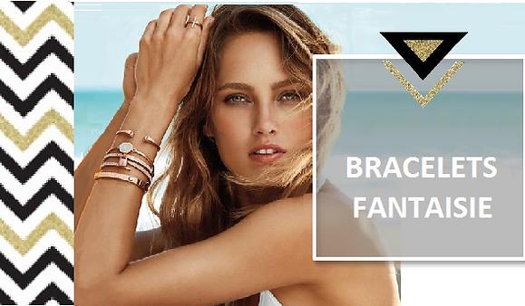 Pour vous accompagner au quotidien, chaque bracelet apporte sa touche élégante et tendance. Qu'il soit jonc, manchette ou charm, fin ou aux volumes généreux, intemporel ou must have. N'hésitez pas à les porter en accumulation comme la grande tendance du moment, en mixant braceletà sequins, jonc ou bracelet brésiliens, variez les matières pierres semi-précieuses, perles, strass ou cuir.