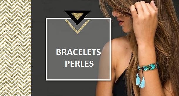 Cet été encore, c'est le grand retour des bracelets brésiliens multirangs ou aux perles de rocaille trés coloréestissées de figures géométriques.