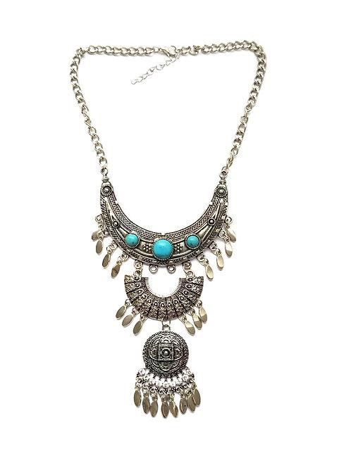 Collier bohème plastron métal argenté pampilles et pierres semi-précieuses turquoise