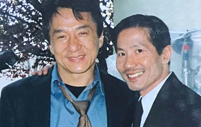Phil-Tan-with-Jackie-Chan-Credit-philtanproductions.com_.jpg
