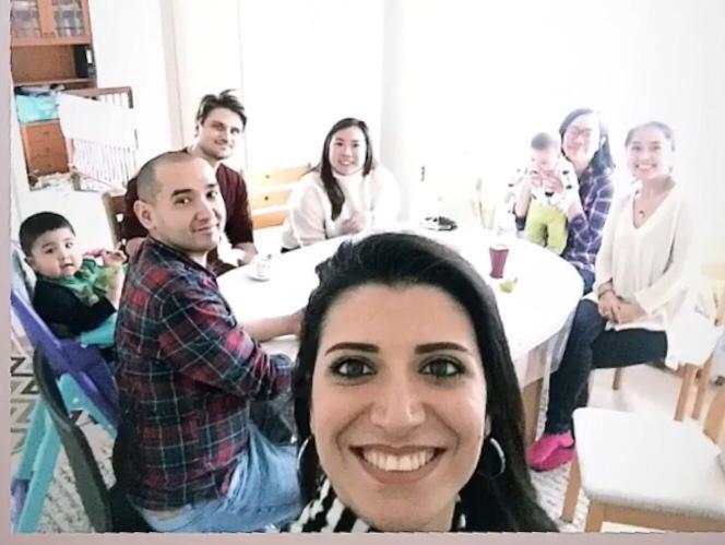 Uygur Türk'ü Fin ve Singapur'lu arkadaşlarım eşleri ve çocukları