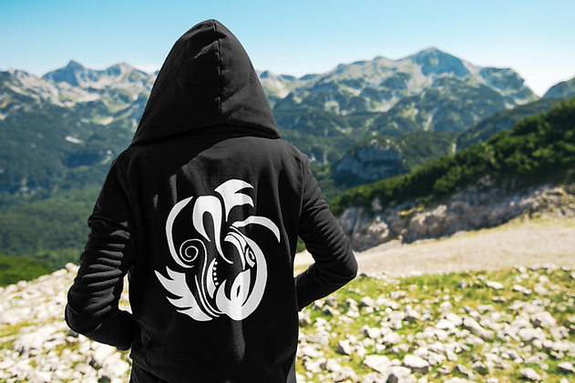 travel-mockup-featuring-a-man-in-the-mountains-with-a-hoodie-40104-r-el2.png