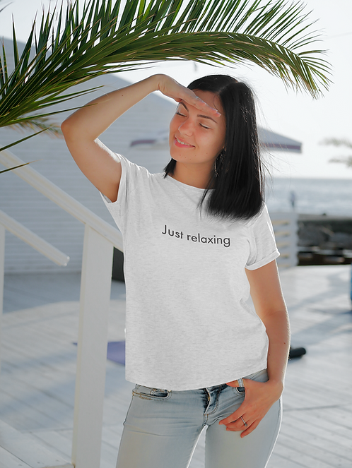 Just relaxing - Oracle Girl - Unisex organic cotton t-shirt