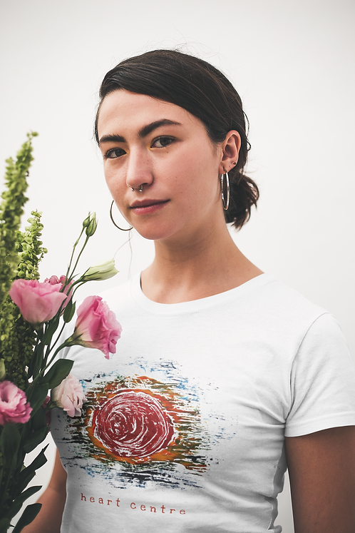 Heart centre - Women's fitted organic cotton tee
