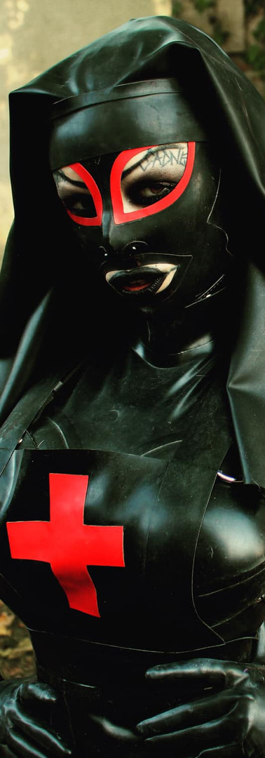 Dirty Rubber Nurse, DeMasK Rubber outfit.