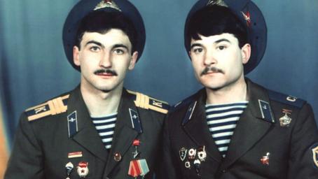 Почему дембеля с Афгана носили усы. Воспоминания ветеранов и подборка фото