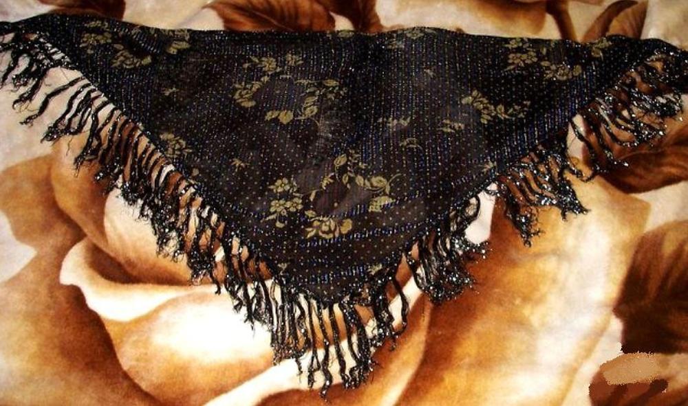 Красивый восточный платок для своих родных и близких женщин