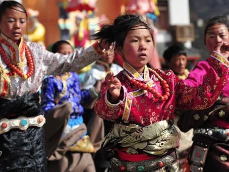Tibetans, Homeless yet keeping their identity