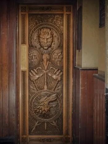 game-of-throne-door-in-situ-2-1920w.webp