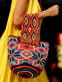Vestido amarillo - Mochila