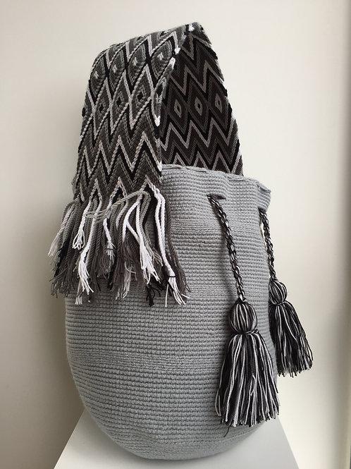 Nube - Wideforearm Wayuu Bag
