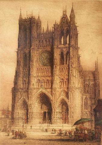 Amiens Cathedral 1918_edited.jpg