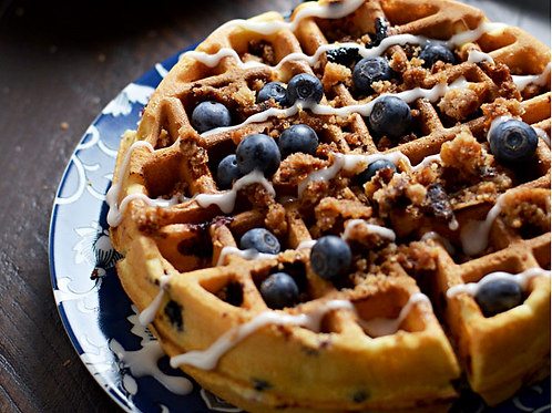 Sourdough blueberry streusel waffles x 2 unidades