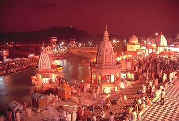 Evening_view_of_Har-ki-Pauri,_Haridwar.j