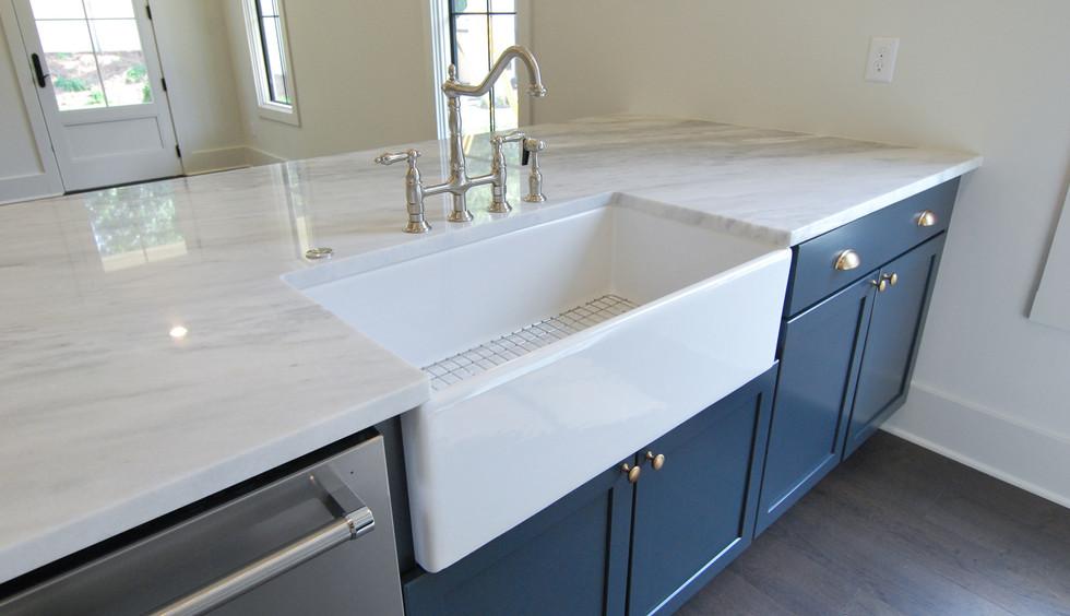 Kitchen Farmhouse Sink