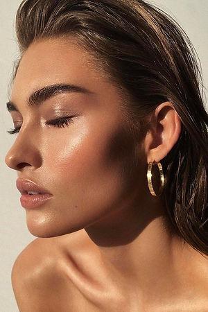 Selena Gomez's Makeup Artist Explains Ho