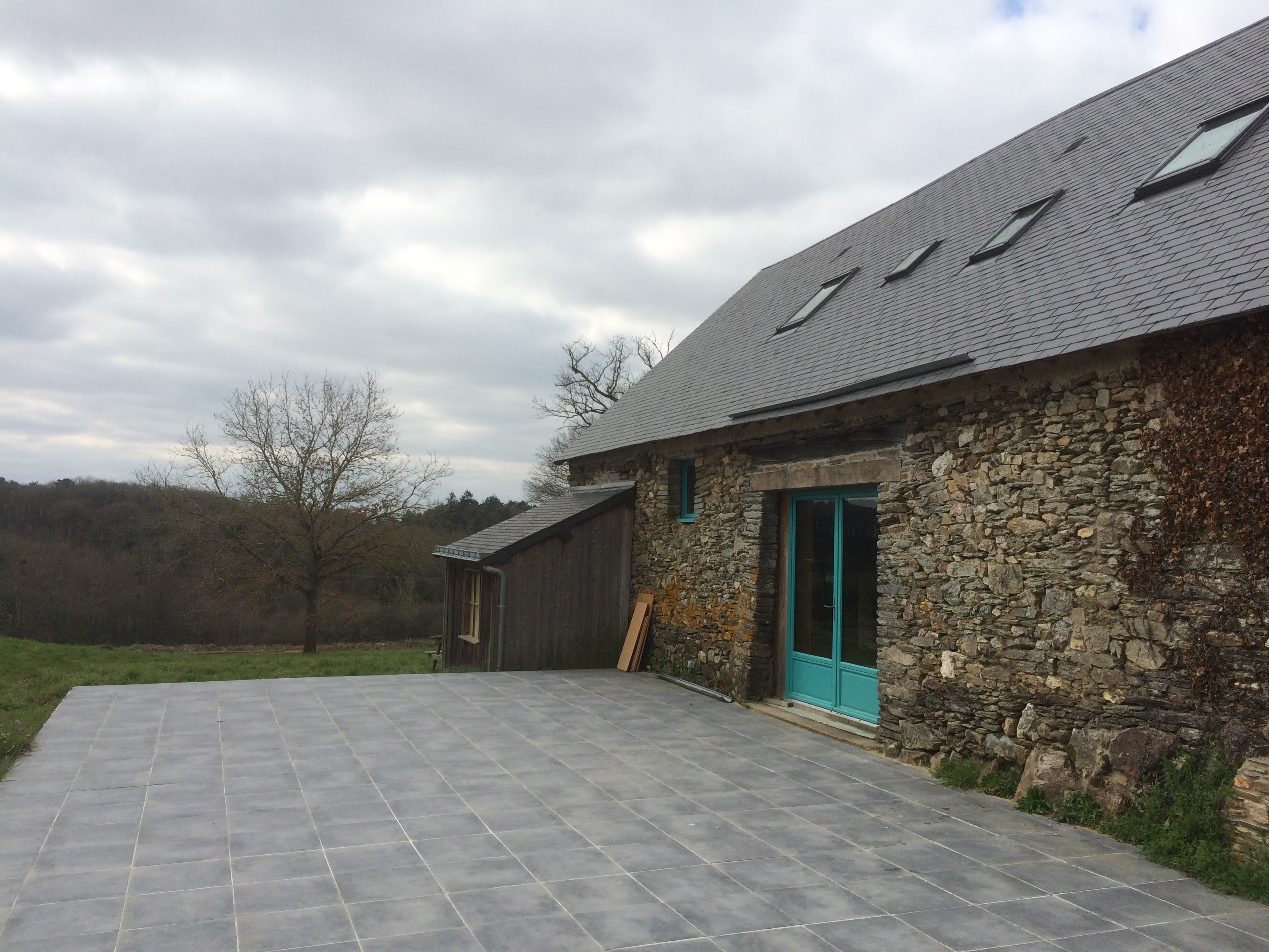 demeure-bretonne-terrasse-grange