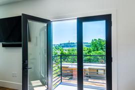 First floor balcony overlooking Pickwick Lake