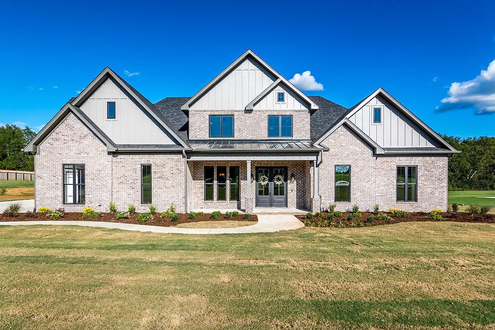 Beautiful new build custom home in St. Florian, AL