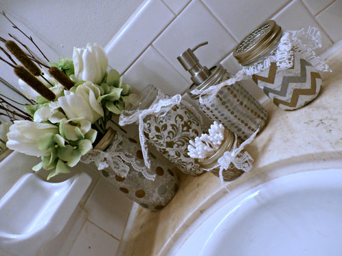 Metallic Silver Gold Bathroom Accessories Set Artists Mrs - Metallic gold bathroom accessories